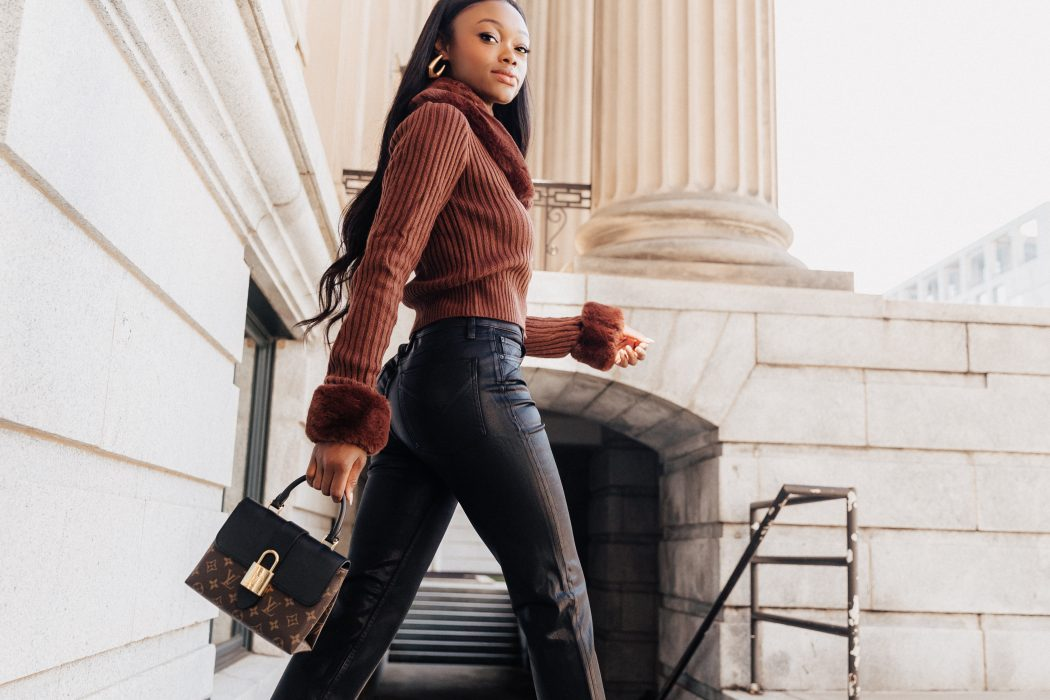 Fall Outfit Inspiration: Styling Straight-Leg Jeans